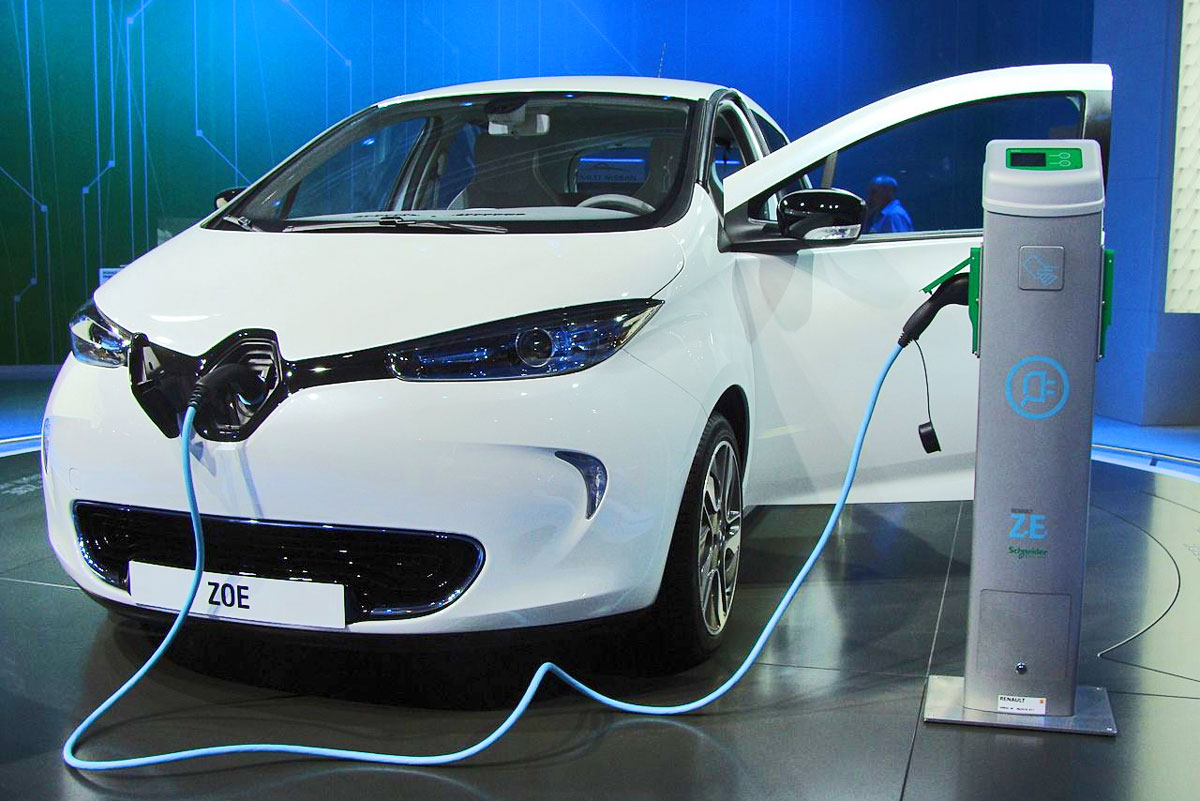 Electric-car-sales-surged-in-2017
