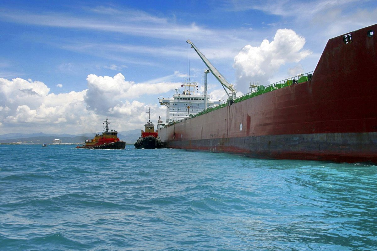 Oil-and-gas-tanker-traffic-to-endanger-Turkish-Straits