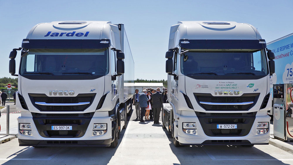 IVECO-supports-inauguration-of-biomethane-production-plant-and-biomethane-filling-station-in-France