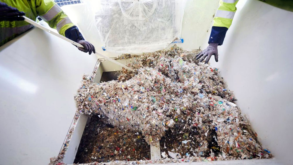 There-and-back-again-Turning-plastic-back-into-oil