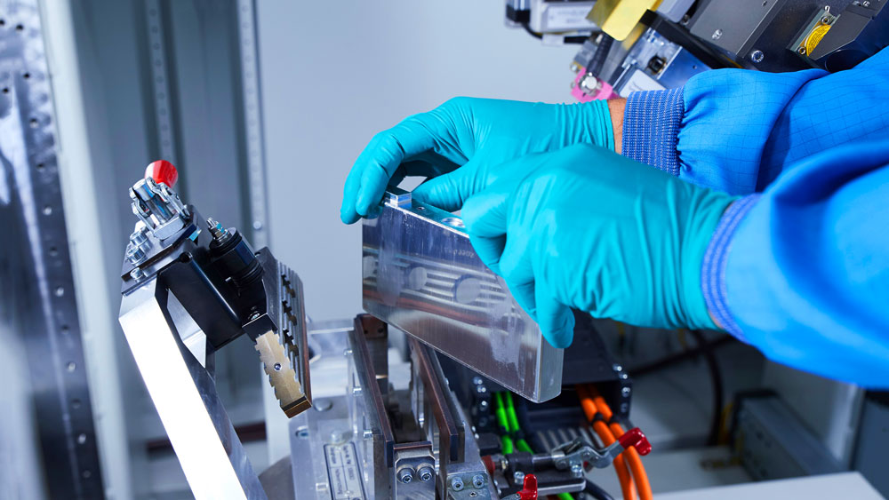 BMW-Group,-Northvolt-and-Umicore-join-forces-to-develop-sustainable-life-cycle-loop-for-batteries