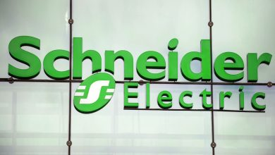 Photo of Schneider Electric PacDrive 3 to optimize Fallas Automation's R700 Case Packer