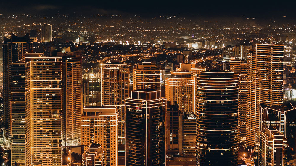 Night view of an urban downtown Smart-City