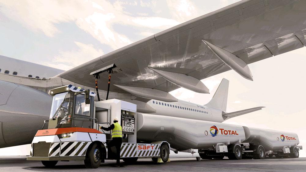 Full-Electric-Aircraft-Refueller-Transporter