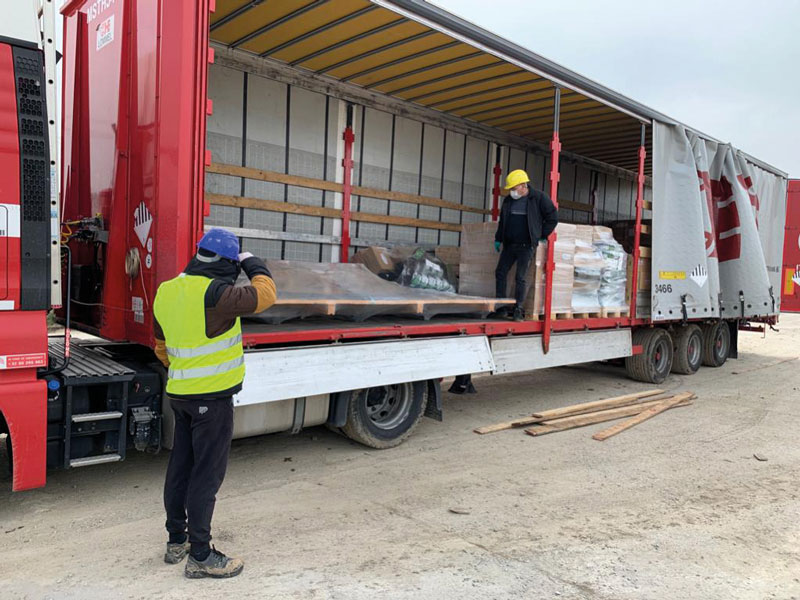 Special-procedure-for-unloading-of-trucks-is-in-place,-respected-and-controlled-by-all-parties. Bilfinger Tebodin