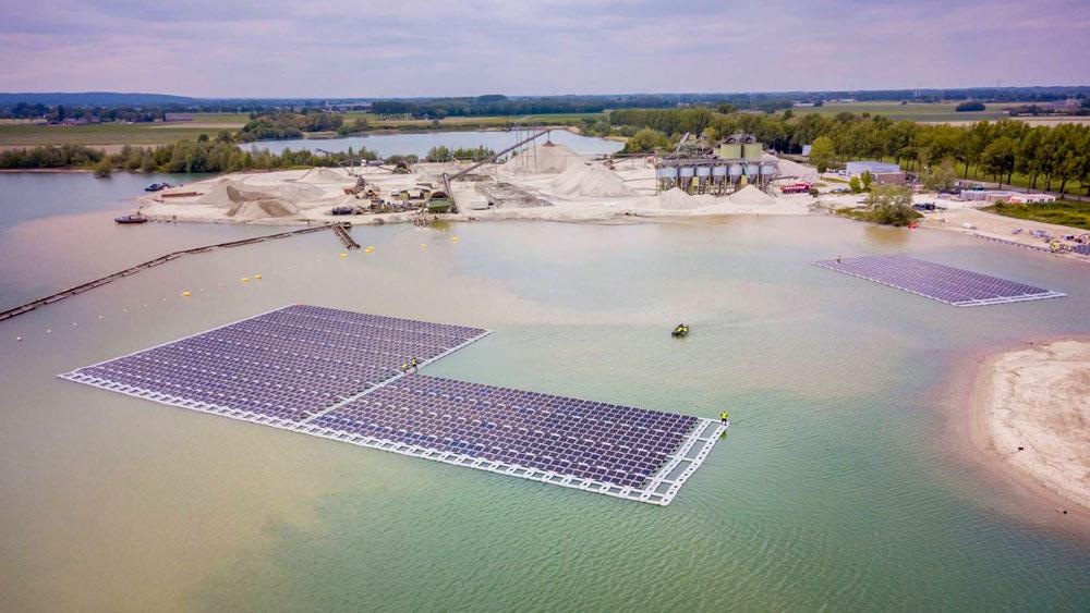 Vattenfalls-First-Floating-Solar-Farm