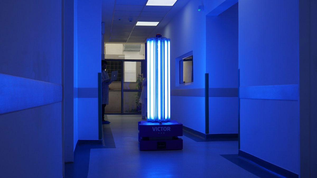 Romanian-Robot-to-Kill-Coronavirus-with-UV-C-Radiation
