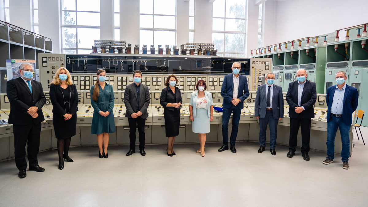 Siemens-Romania-Modernized-a-Laboratory-within-the-Faculty-of-Energy-with-State-of-the-art-Equipment
