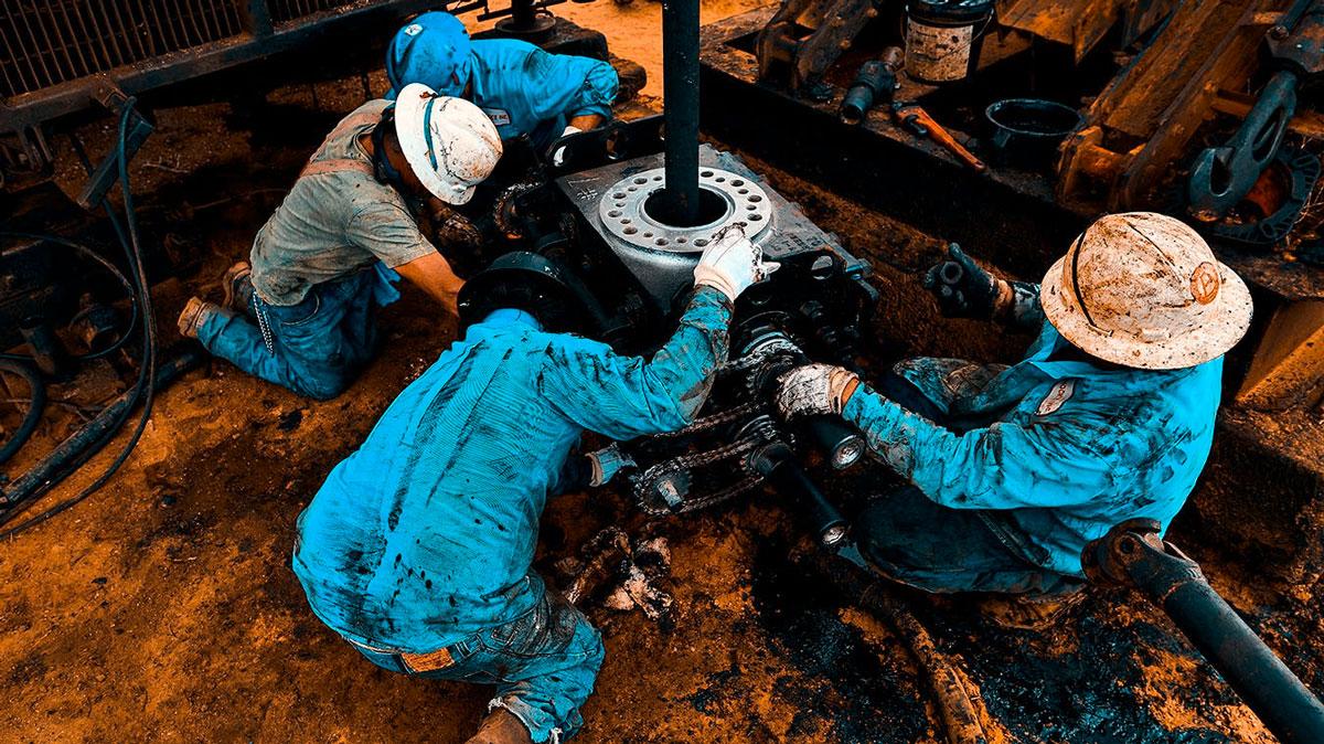 Oil-Men-Petroleum-Products-2050