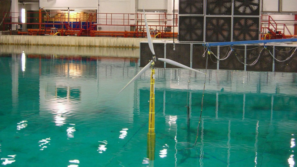 Testing-of-the-Hywind-concept-at-SINTEF-in-2005