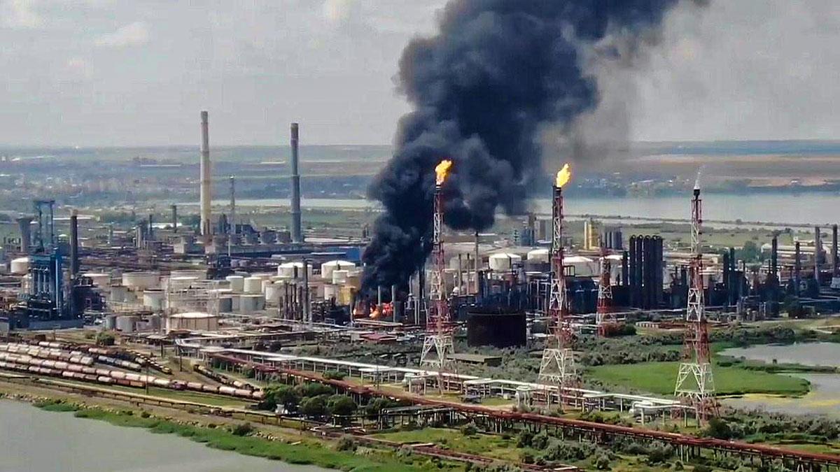 Blast-on-Petromidia-Refinery-Platform