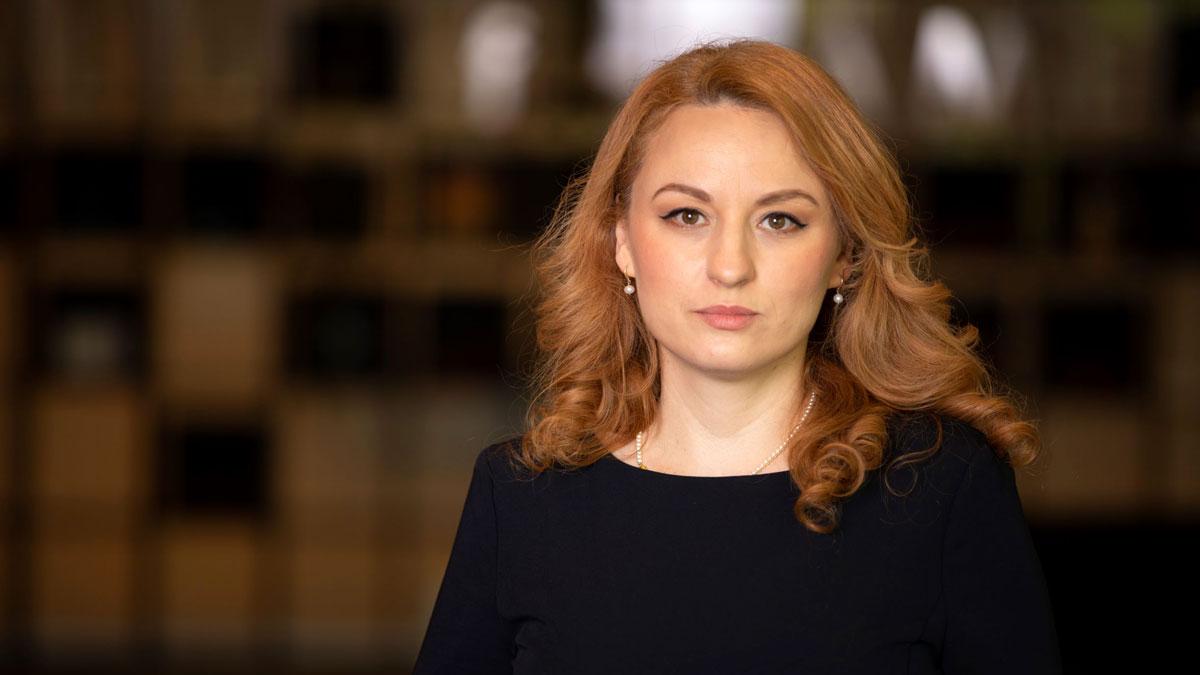 Gina-Cruceru--Grup-HR-Director-KMG-International-Ready-for-Career
